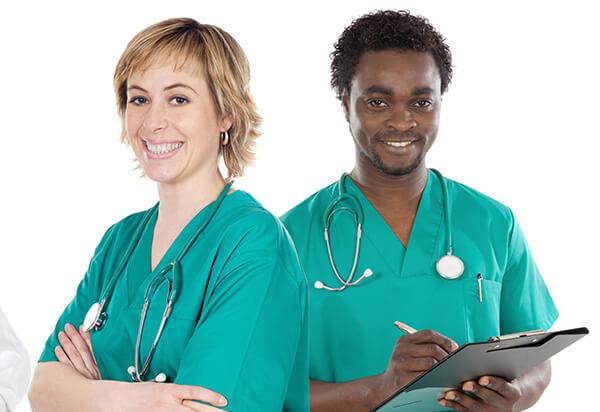 Profissionais do curso técnico de enfermagem